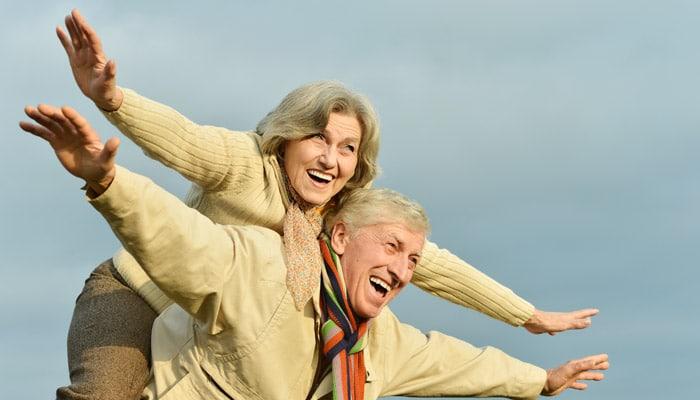 La quiropràctica és notablement beneficiosa per a augmentar la qualitat de vida i salut a les persones d'edat més avançada.