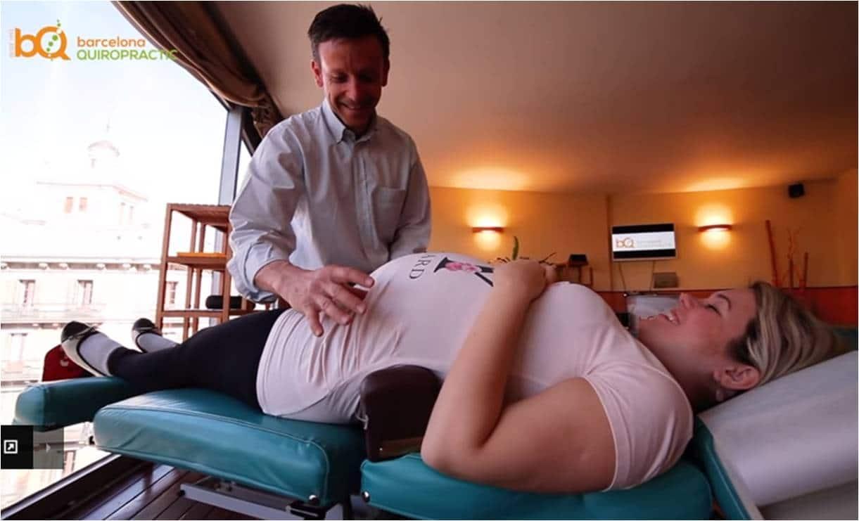 Embarazada ajuste quiropráctico